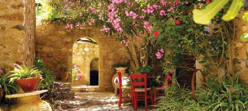 сад в средниземноморском стиле